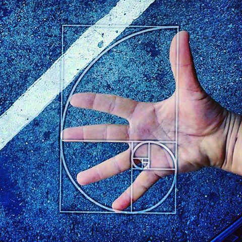 Fibonacci in hand